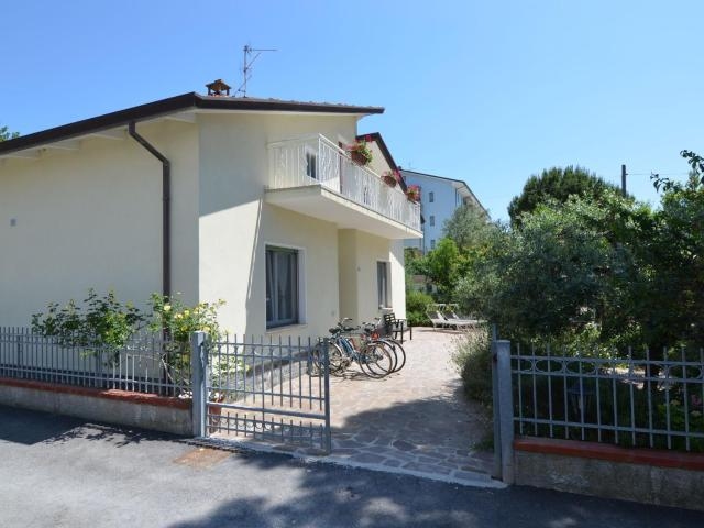 Cozy Apartment in Gatteo a Mare with Garden