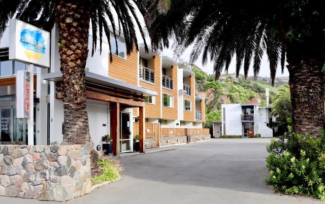 Sumner Bay Motel