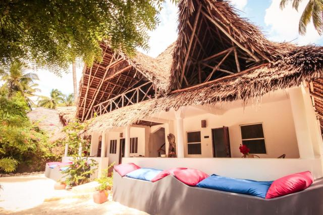 Blue Reef Sport & Fishing Lodge and Bungalows