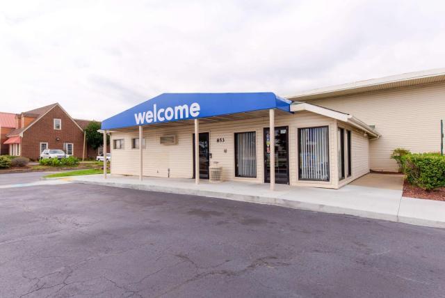 Motel 6-Norfolk, VA