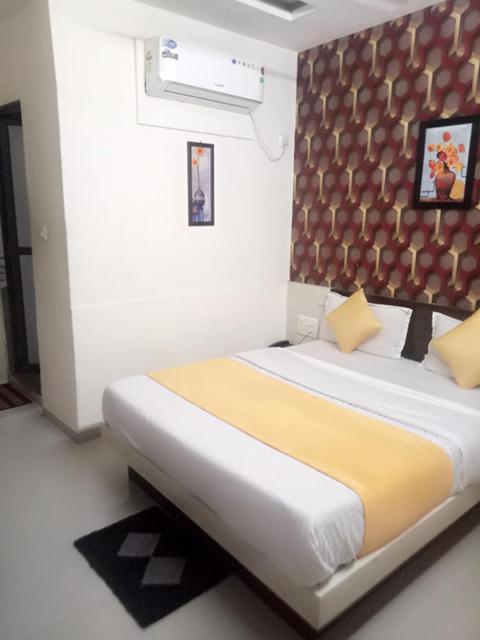 Hotel Gopi Palace