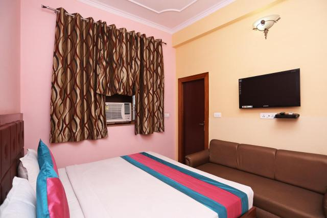 HOTEL CHANDRA PALACE