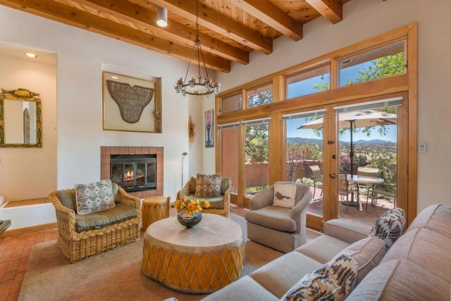 2 Bedroom - Secluded - Acoma
