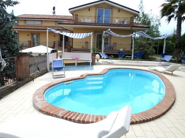 Bed and Breakfast Villa Algi