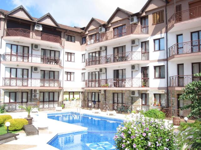 Templum Yovis Apartments
