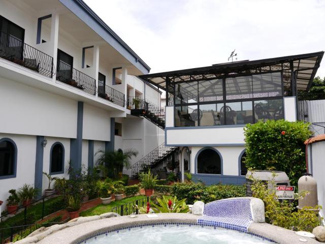 Hotel Santo Tomas / Historical Property