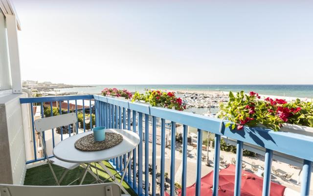 Three Room - Sea View Luxury Loft