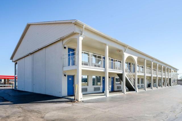Motel 6-Commerce, GA