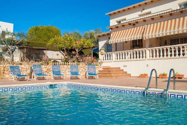Sant Vicenc de Calders Villa Sleeps 8 Pool WiFi