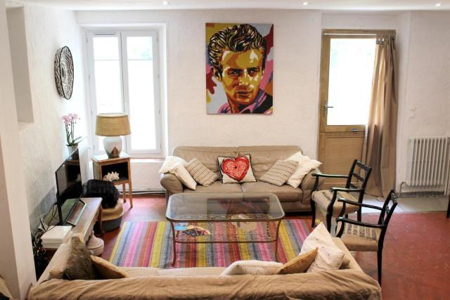 Maison de 4 chambres a Villeneuve avec magnifique vue sur la montagne jardin amenage et WiFi