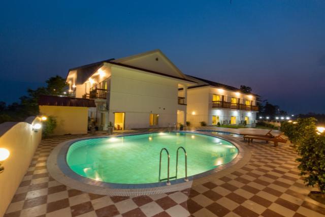 Hotel Earth Light Sauraha