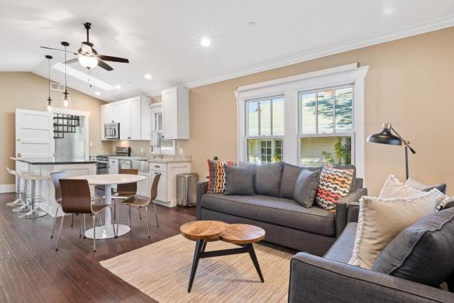 Apartment in Petaluma #140855