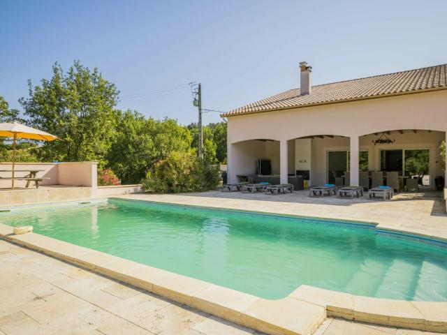 Spacious House with Private Pool in Montayral