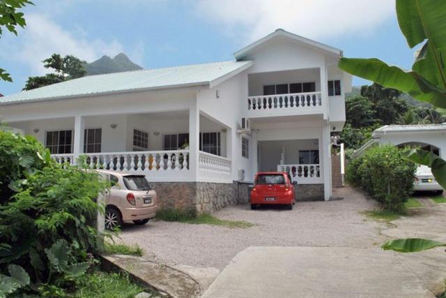 Rowsvilla Guest House