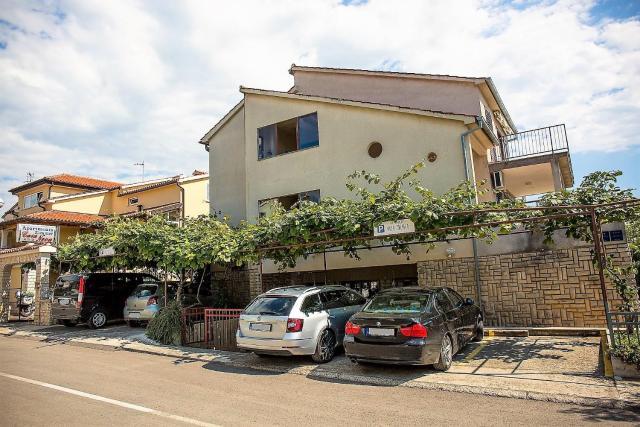 Villa Mihaela Apartments Porec