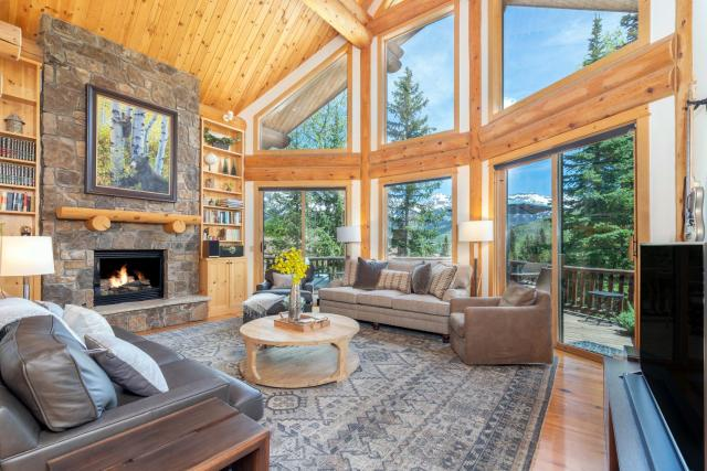 MOUNTAIN MELODY by Exceptional Stays