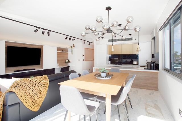 Penthouse Designer Apartment Close to City