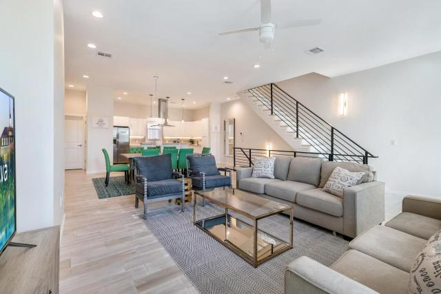 Luxury Townhouse in a Secure Location