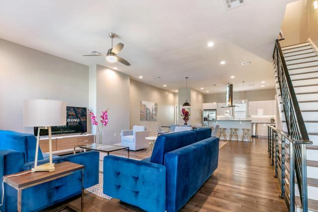 New Construction Luxury Villas
