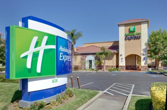 Holiday Inn Express Oakdale, an IHG Hotel