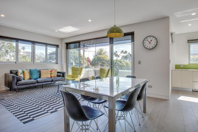 Large and brand-new apartment close to city