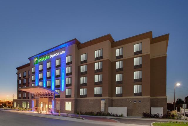 Holiday Inn Express & Suites Ottawa East-Orleans, an IHG Hotel
