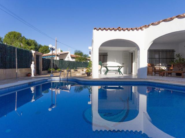 Casa familiar con piscina a 200m de la playa ham