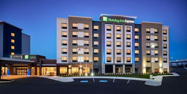 Holiday Inn Express - Niagara-On-The-Lake, an IHG Hotel