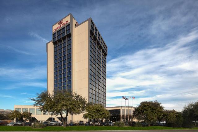 Crowne Plaza Dallas Market Center, an IHG Hotel