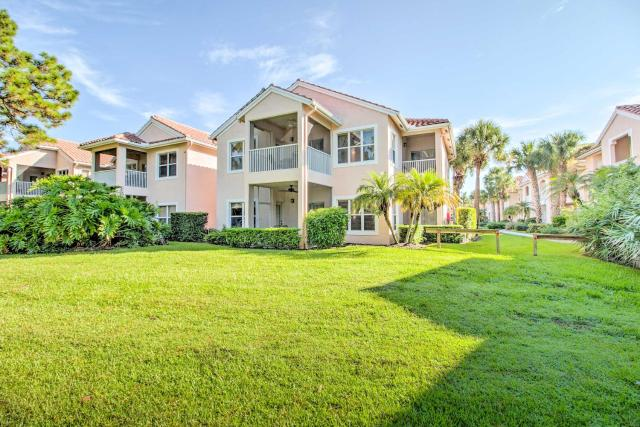 Updated Port St Lucie Golf Condo with Pool Access!