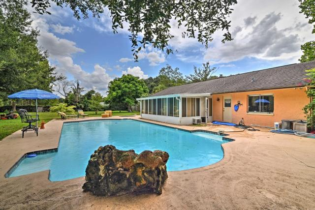 Guest Suite with Pool, Walk to Seminole Wekiva Trail