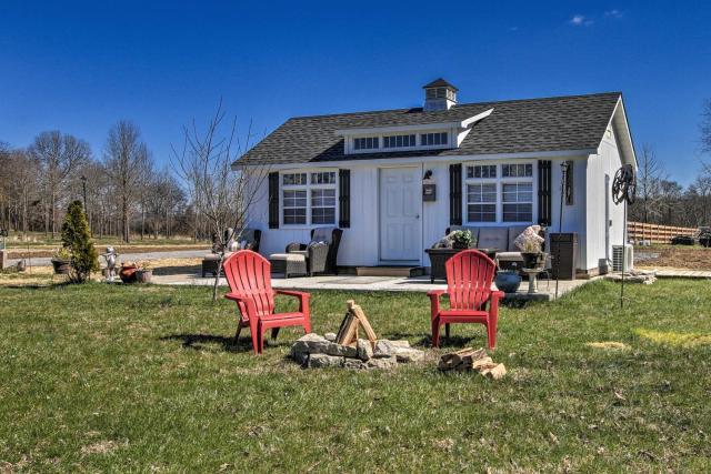 Peaceful Pet-Friendly Franklin Cottage on 15 Acres
