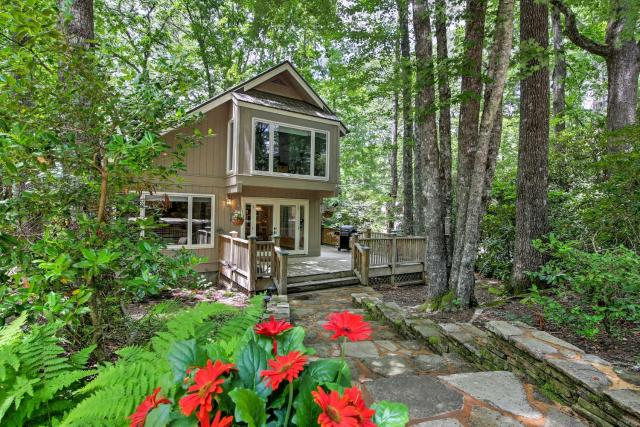 Smallwood Cute Highlands Home with Screened Porch!