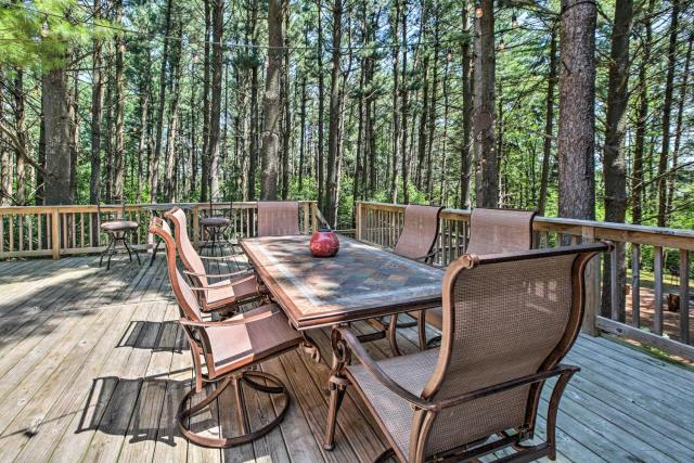 Lake Geneva Home with Fire Pit - 5 Mins to Town!