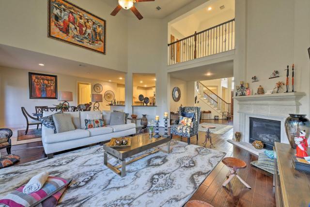 Lavish Pearland Home Near Houston Attractions!