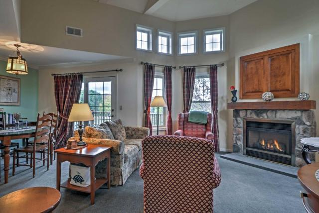 Spacious Condo with View Less Than 1 Mi to Mtn Creek Resort!