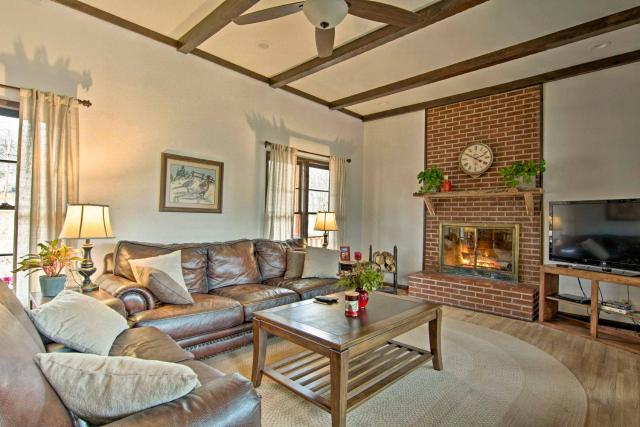 Cozy Sand Springs Home-Mins to Keystone and Tulsa