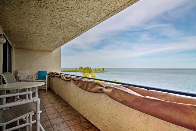 Hudson Resort Condo with Gulf Views and Beach!