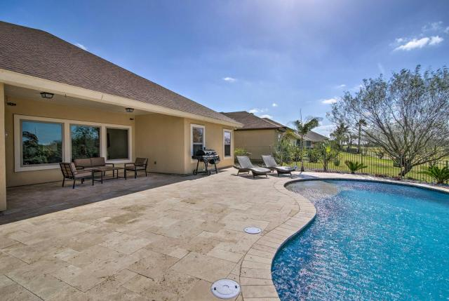 South Padre Home with Saltwater Pool Near Golf!