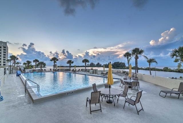 Gulf-View Hudson Condo in Beachfront Resort!