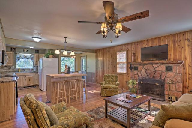 Cabin with Porch 5 Miles to Manitou Springs!