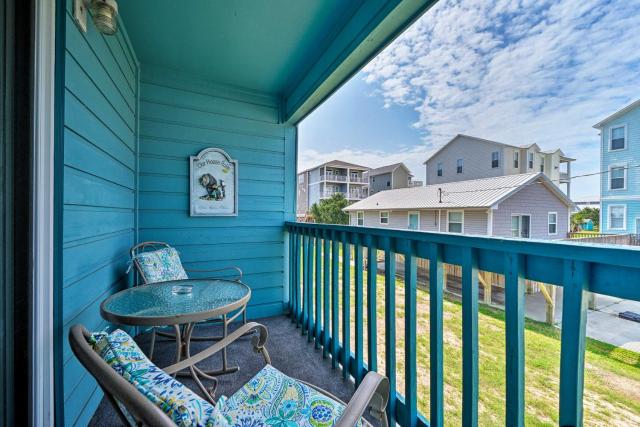 Condo with Balcony and Pool Walk to 2 Beach Accesses!
