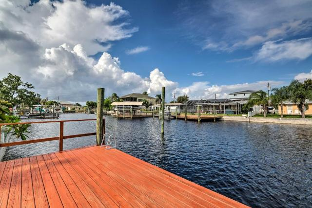 Canalfront Hudson Home with Private Dock and Yard!
