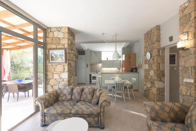 #FLH - Coral Apartment Near Fava Beach