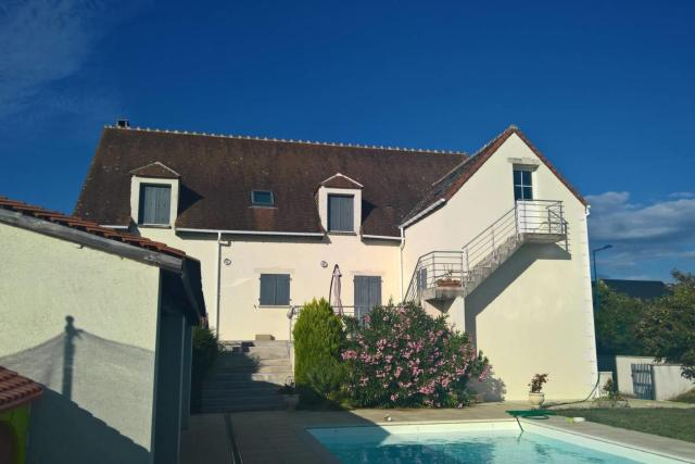 Large Villa with large swimming pool in Touraine