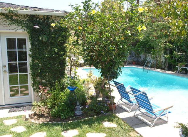 Charming Culver City Cottage with Shared Pool and Garden