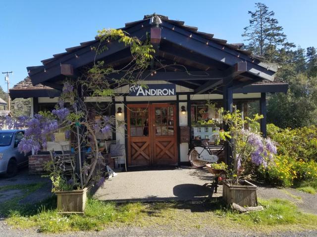 The Andiron Seaside Inn & Cabins