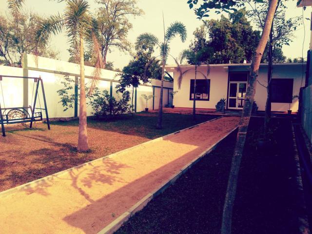 Sri Bathra Resort Dambulla