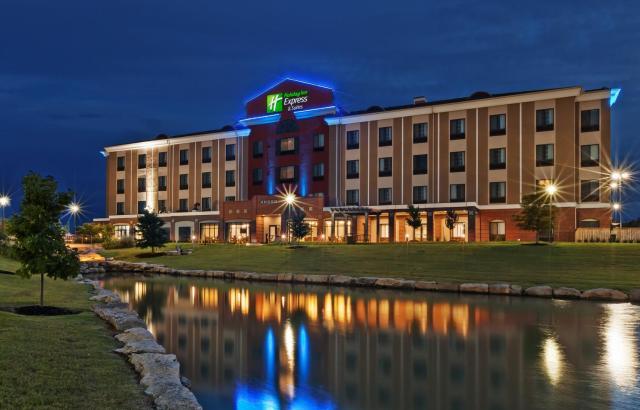Holiday Inn Express & Suites Glenpool, an IHG Hotel