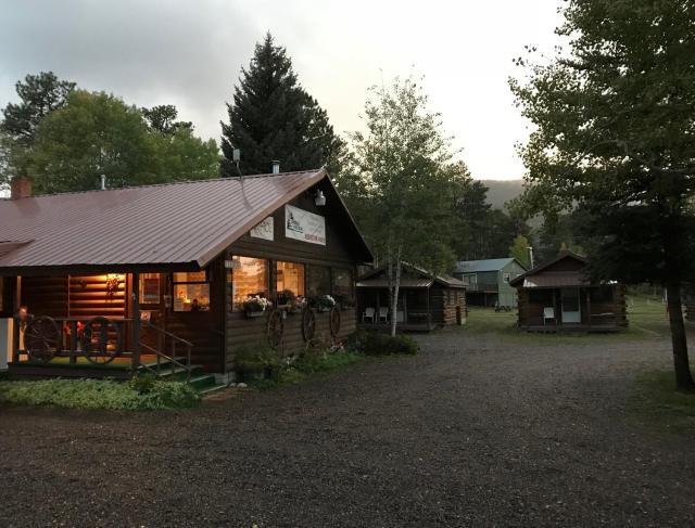 Grandview Cabins & RV Resort